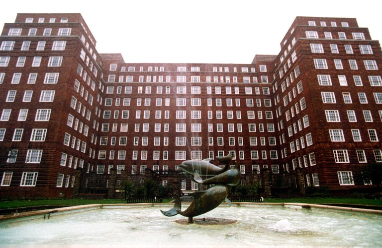 Health officials examine case of deadly Legionnaires' Disease at one of London's most acclaimed apartment blocks